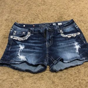 Miss me jean short